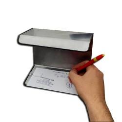 Tablette pour borne de paiement. Permet de remplir un chèque d'une seule main.