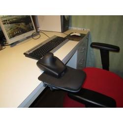 Installation du repose bras au bureau