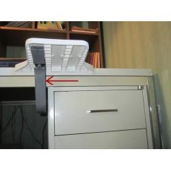 3 position du renfort pour adapter le repose-bras JUMBOREST aux tiroirs ou accoudoirs de fauteuil