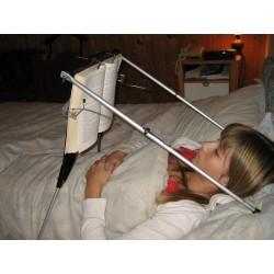 Aide à la lecture au lit en position allongée