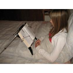 Aide à la lecture au lit, en position assis ou couché