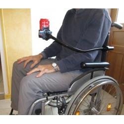 adaptation du support flexible sur fauteuil roulant