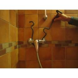 éponge murale pour la douche mise en place 3
