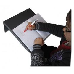 Pupitre d'écriture incliné, aide à l'écriture