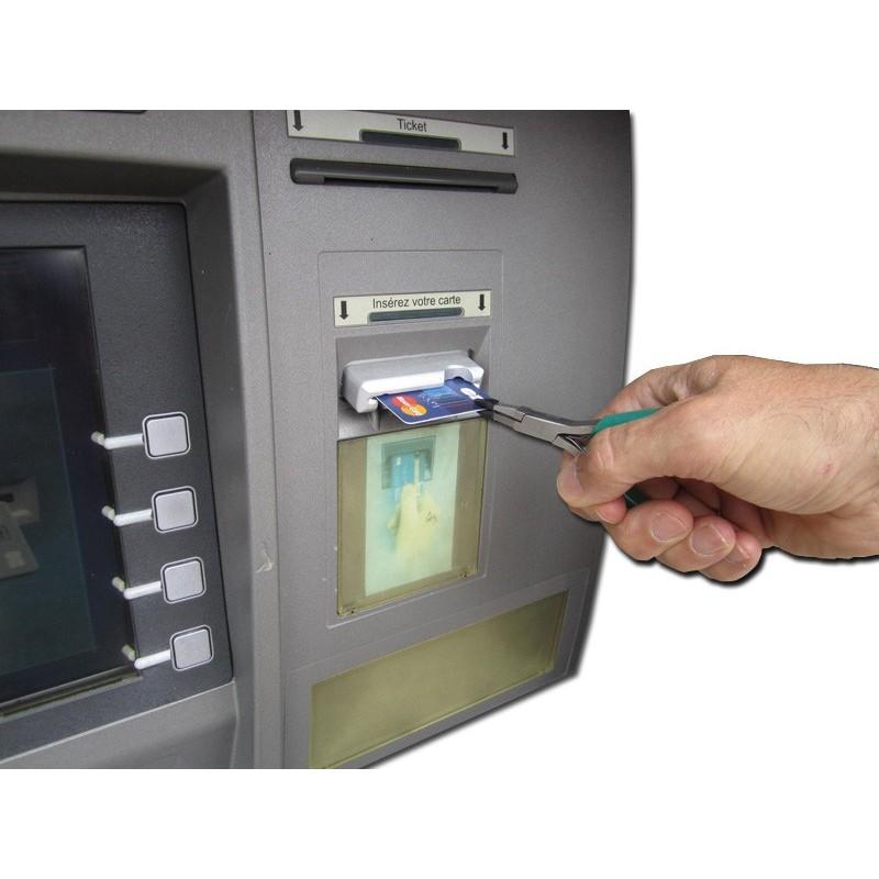 Mini pince, aide technique pour retirer la carte bancaire du distributeur