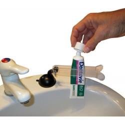 Aide technique pour ouvrir les tubes et flacons avec une seule main