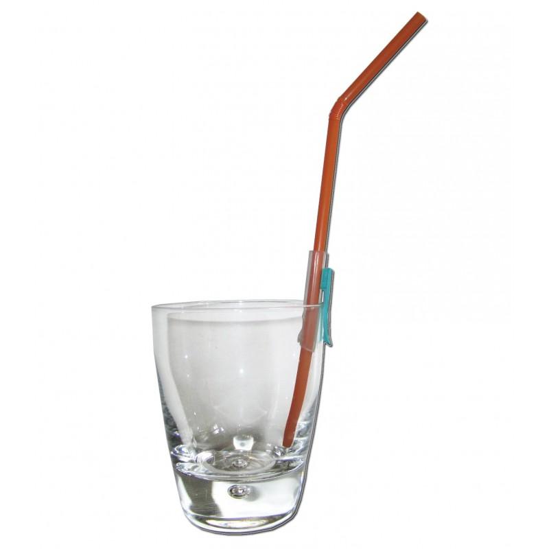 Fixe paille sur le bord du verre