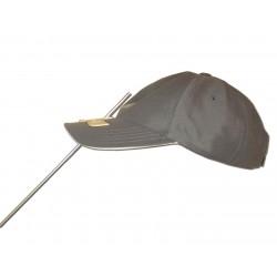 Tige de licorne montée sur casquette personnalisée.