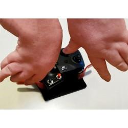 Manette de jeu transformée pour adaptation à un problème d'arthrogrypose
