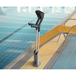 Support de canne ou béquille plastifié et mobile utilisable en bord de piscine