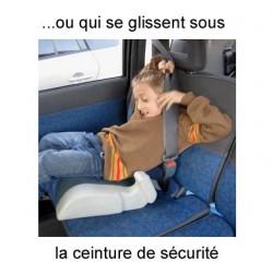Securiseat pour empêcher les enfants de se glisser sous la ceinture de sécurité pendant les trajets en voiture