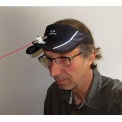 Pointeur laser KOZETTE montée sur visière pour la communication non-verbale par tableau à pictos