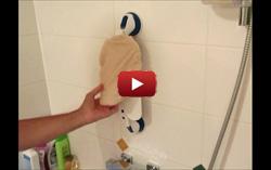 Frotte dos à ventouse pour la douche en vidéo